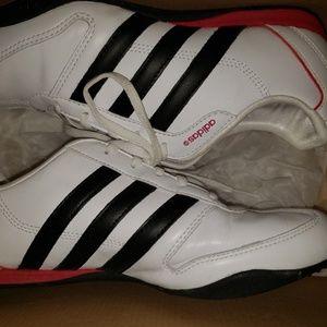 Ladies 8.5 Adidas tennis shoes